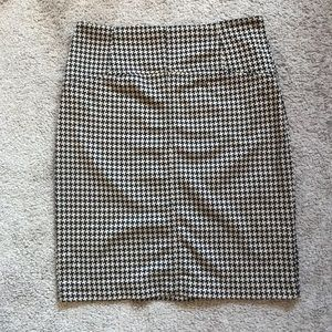 New York & Company pencil skirt - size 6